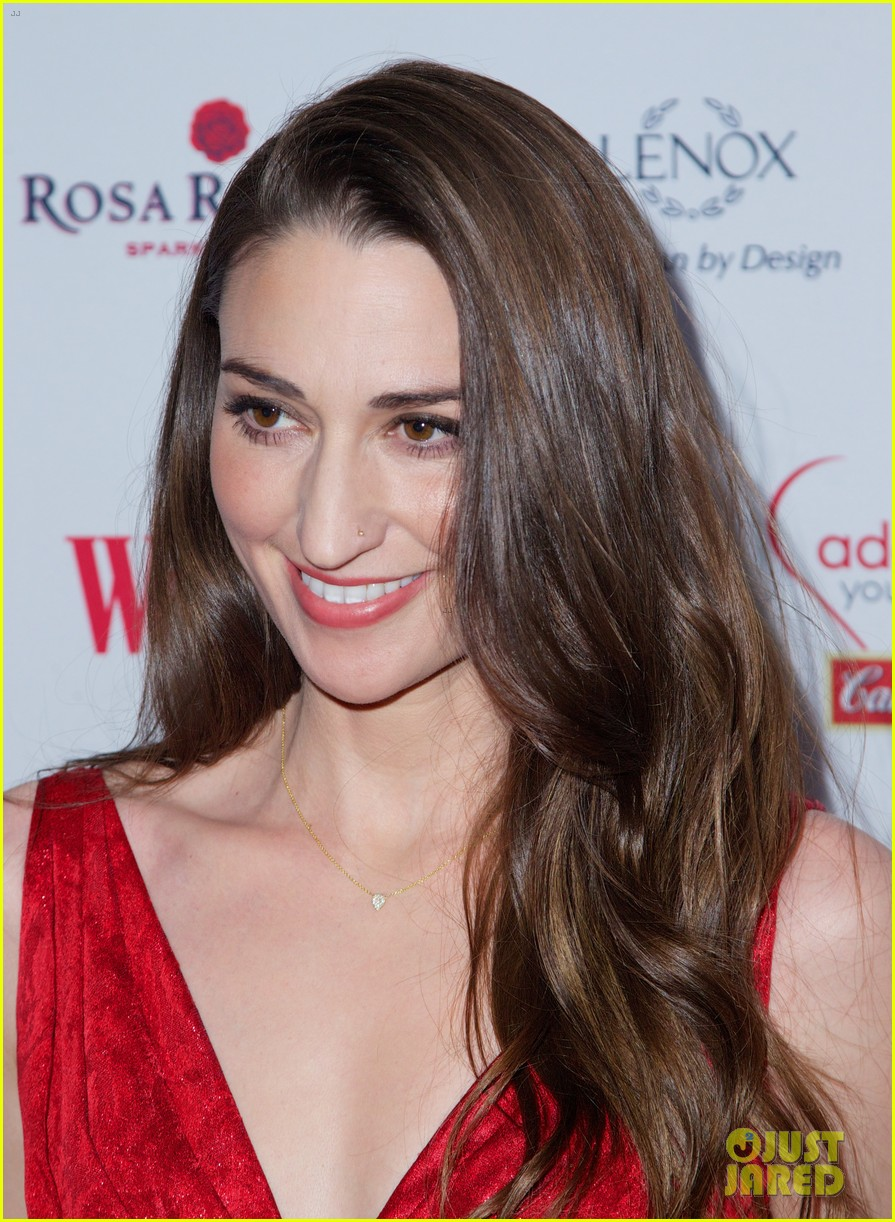 sara bareilles puts on her little red dress for womans day 193051773