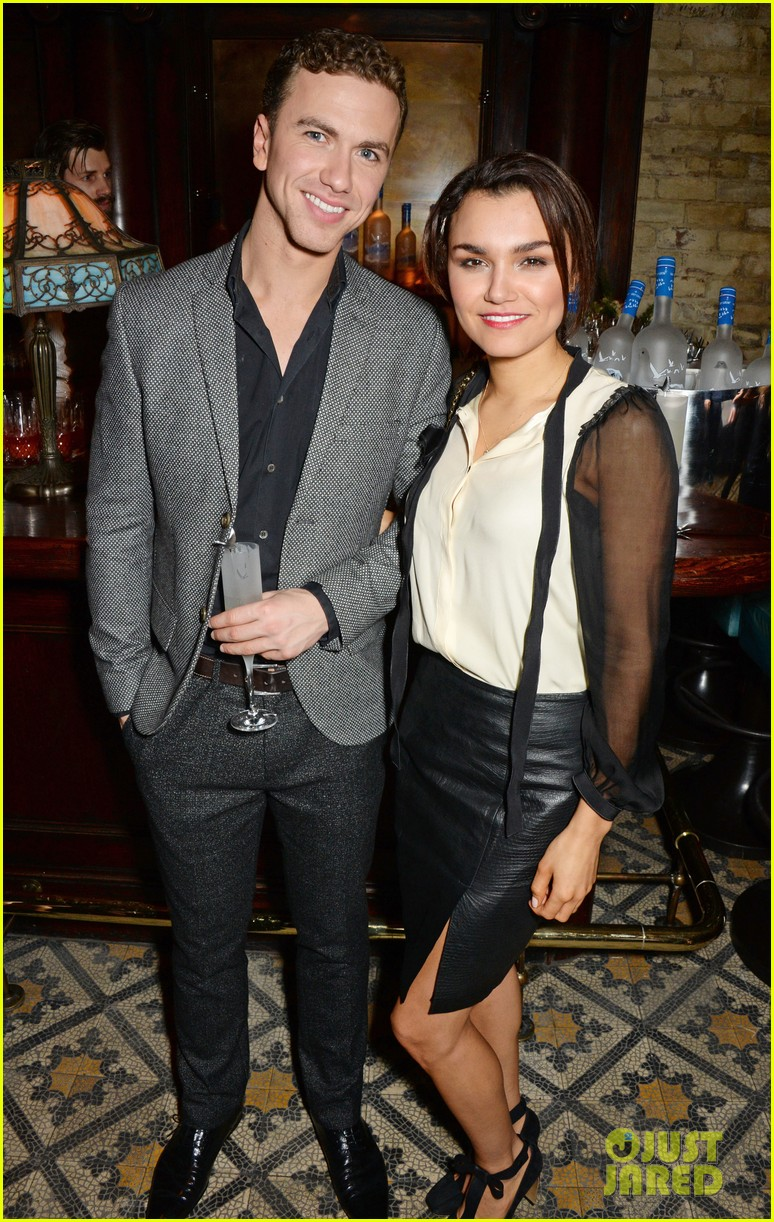 samantha barks london fashion week with boyfriend richard fleeshman 033054271