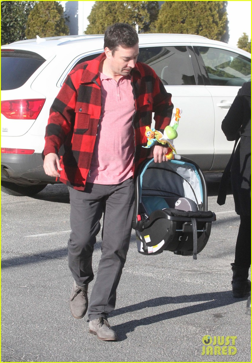 drew barrymore jimmy fallon celebrate her 39th birthday in the hamptons 043059781
