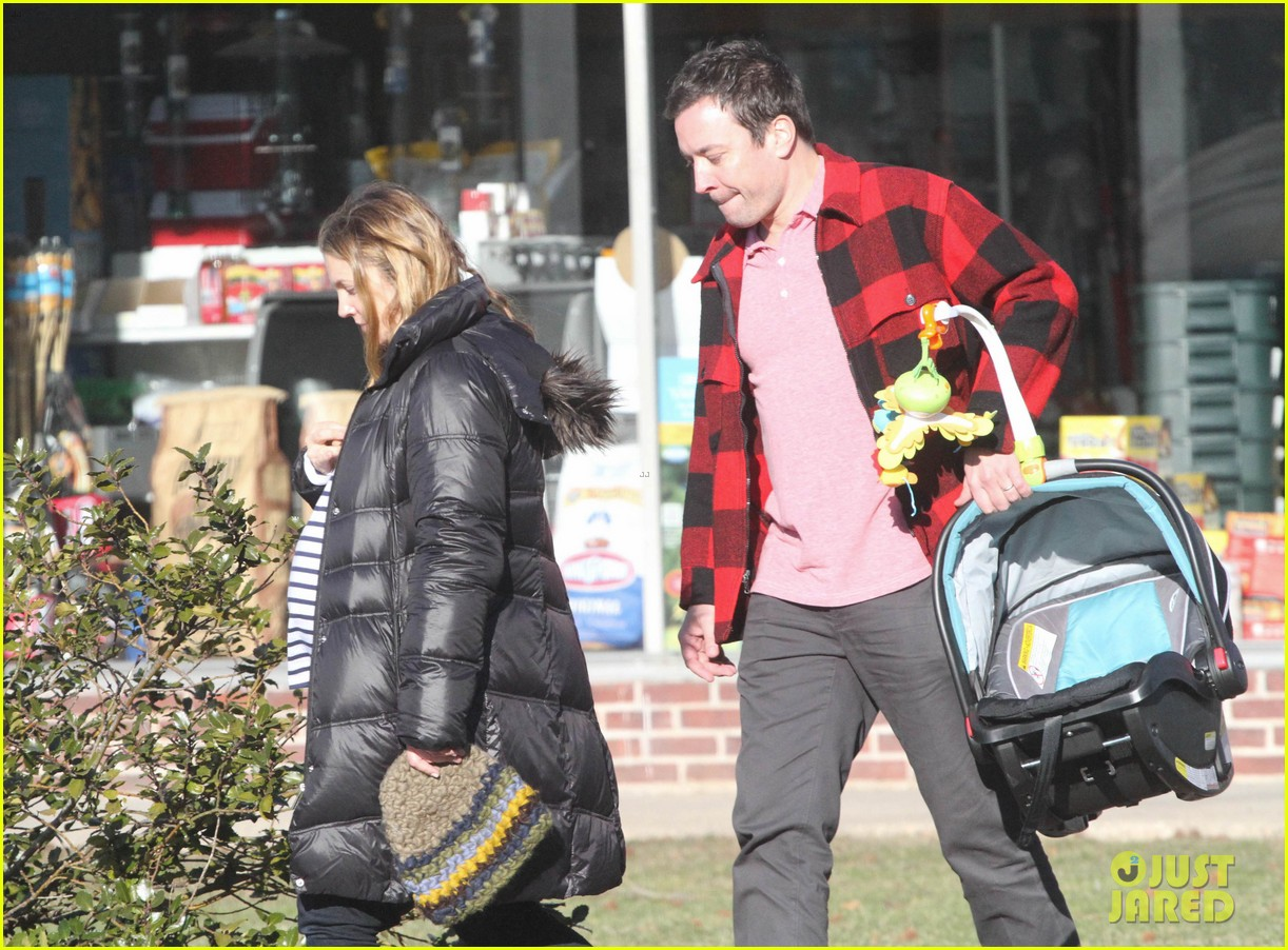 drew barrymore jimmy fallon celebrate her 39th birthday in the hamptons 083059785