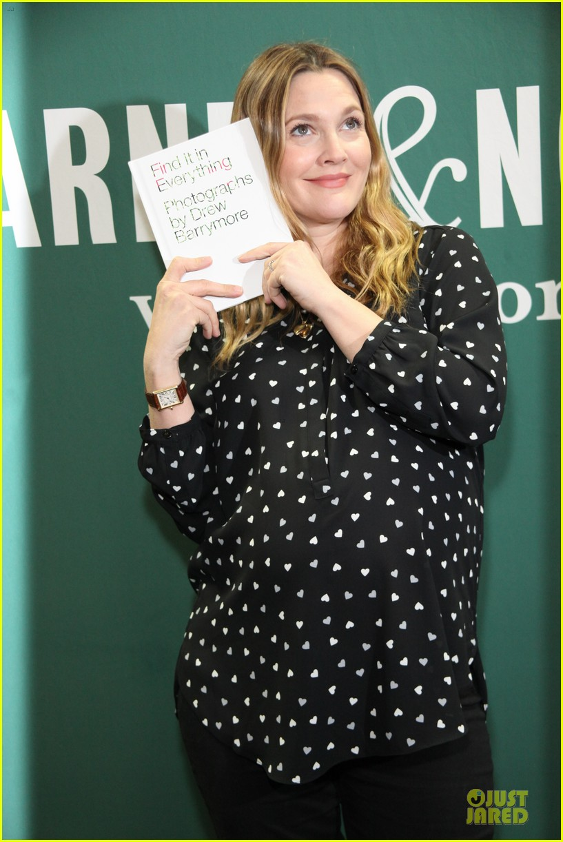 drew barrymore donates jeans to support teens for jeans 063051009