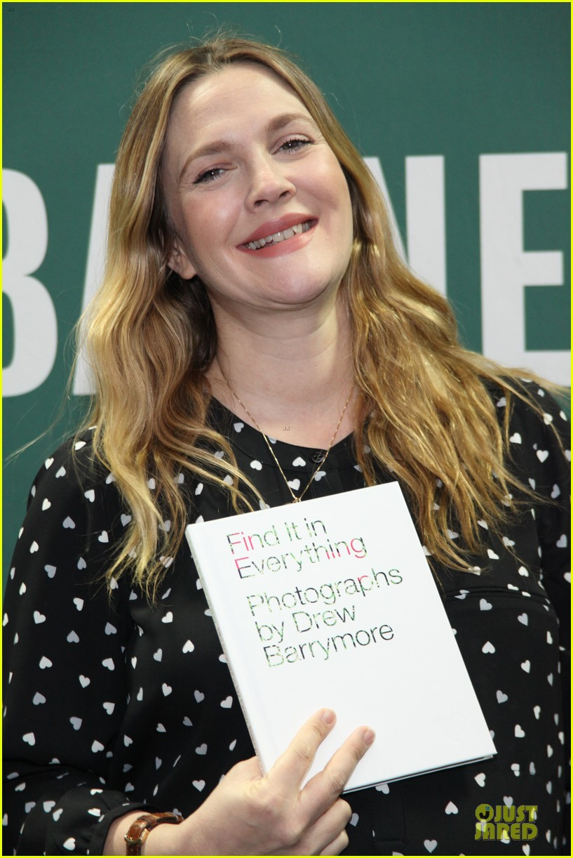 drew barrymore donates jeans to support teens for jeans 083051011