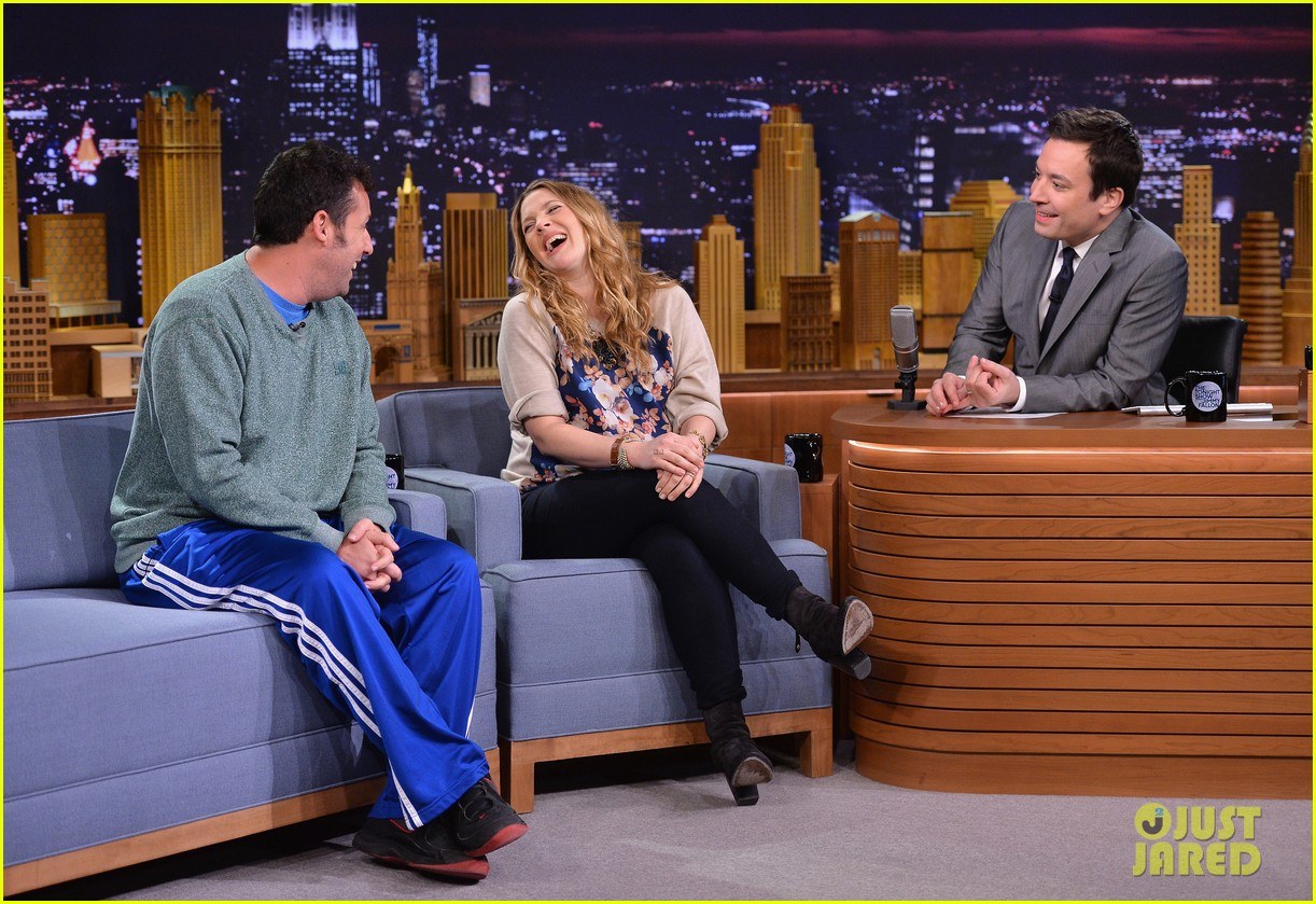 adam sandler sings to pregnant drew barrymore on fallon 033061298