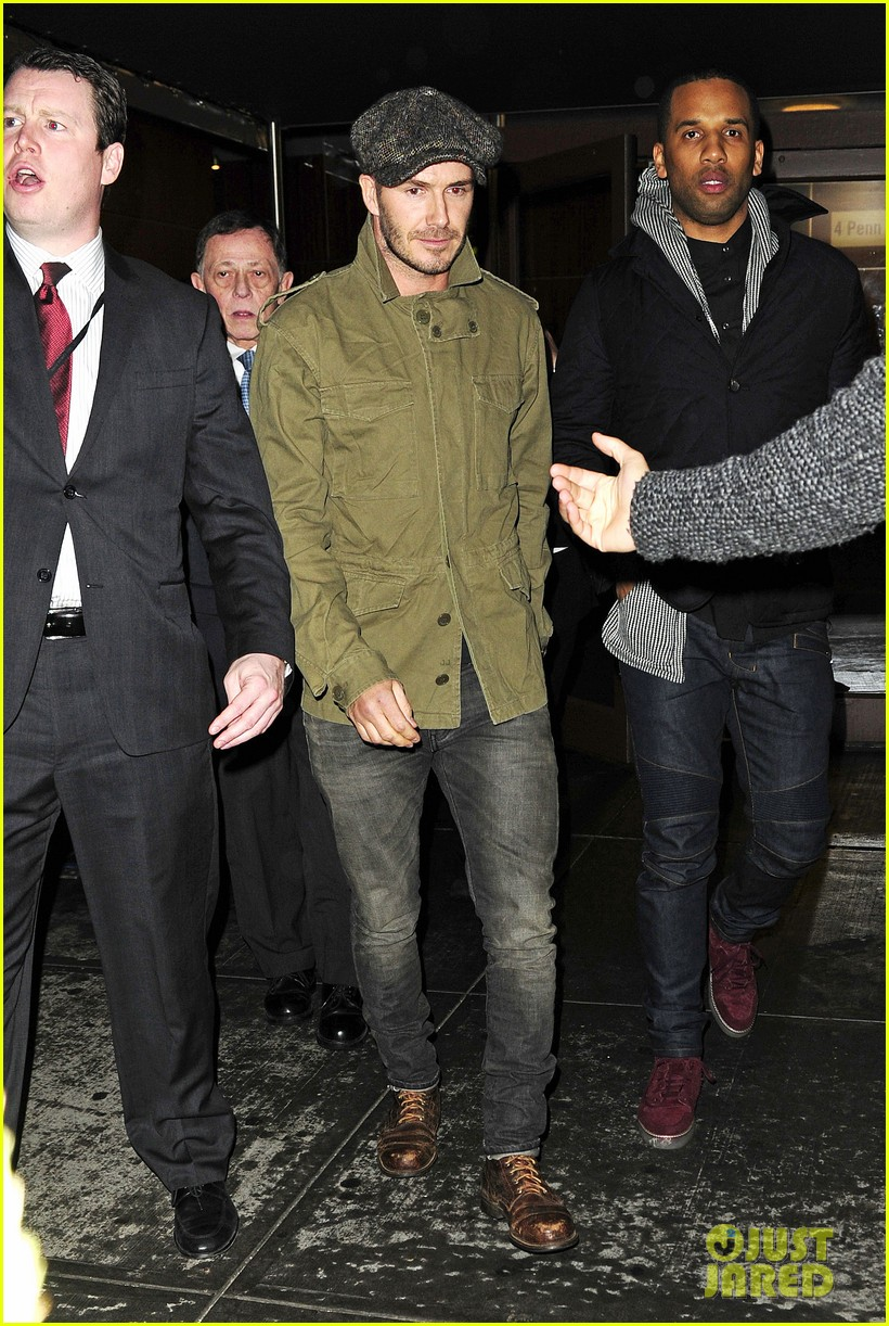 david beckham gets police escort to new york knicks game 013046182