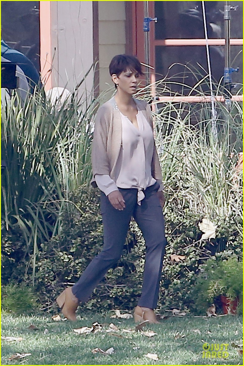halle berry spends valentines day filming extant with goran visnjic 083053729