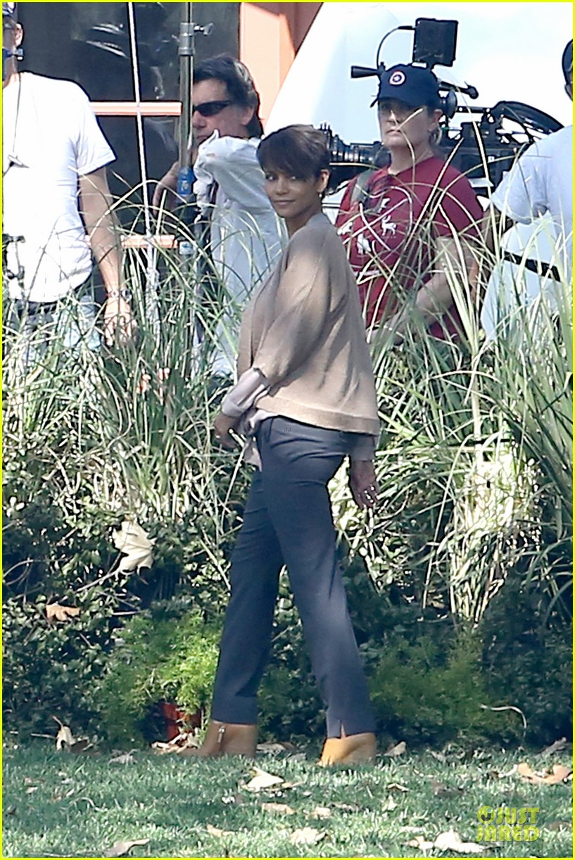 halle berry spends valentines day filming extant with goran visnjic 093053730