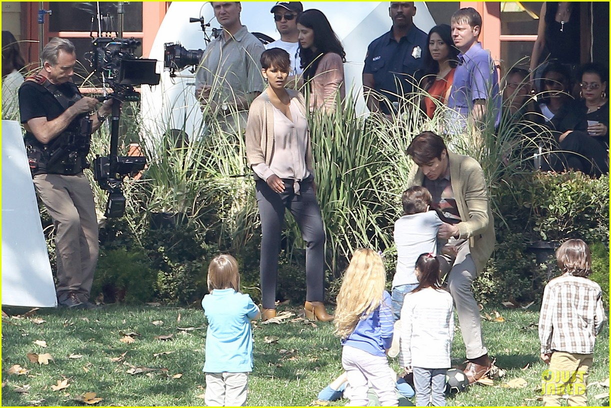 halle berry spends valentines day filming extant with goran visnjic 113053732