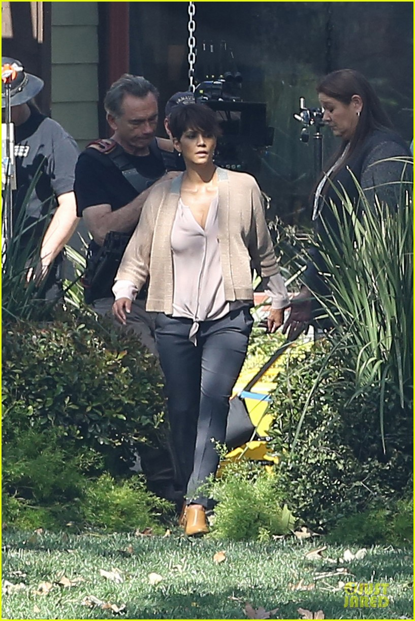 halle berry spends valentines day filming extant with goran visnjic 123053733