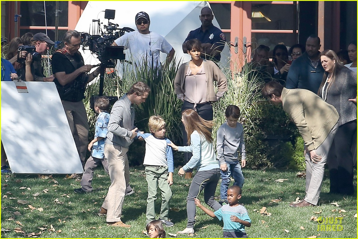 halle berry spends valentines day filming extant with goran visnjic 193053740