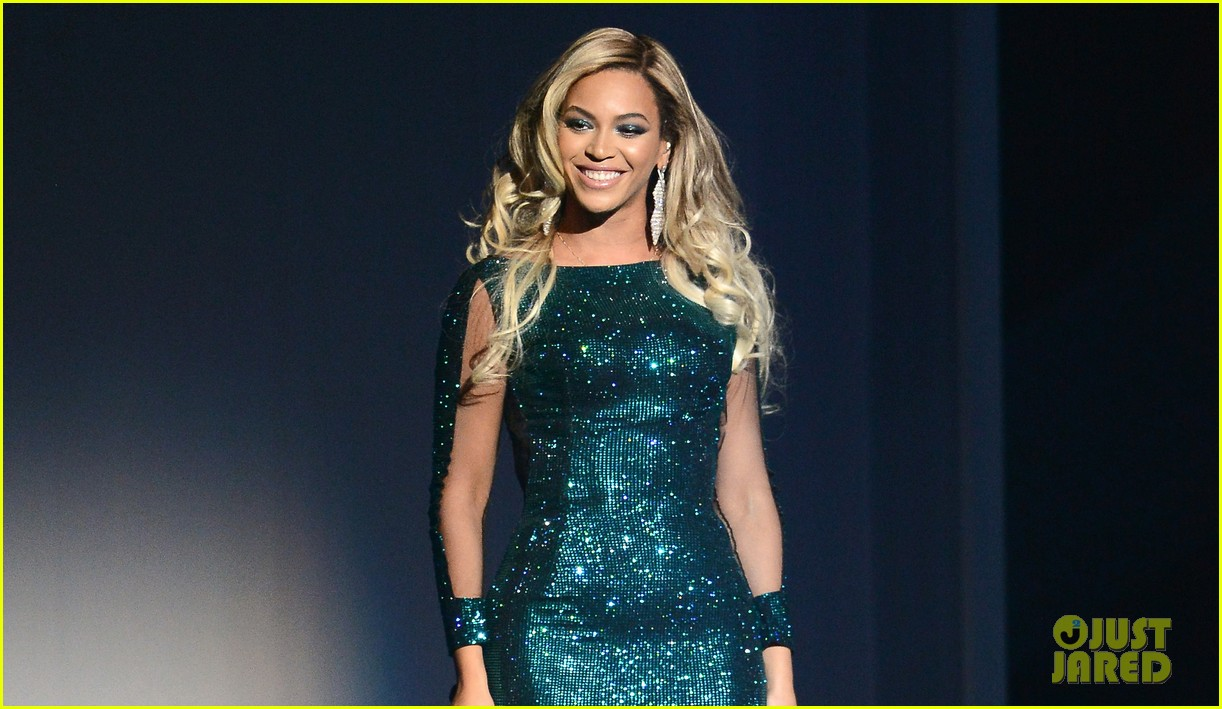 beyonce performs xo at brit awards 2014 video 02