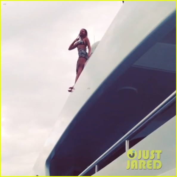 beyonce models sexy swimsuits in new tumblr photos 063061086