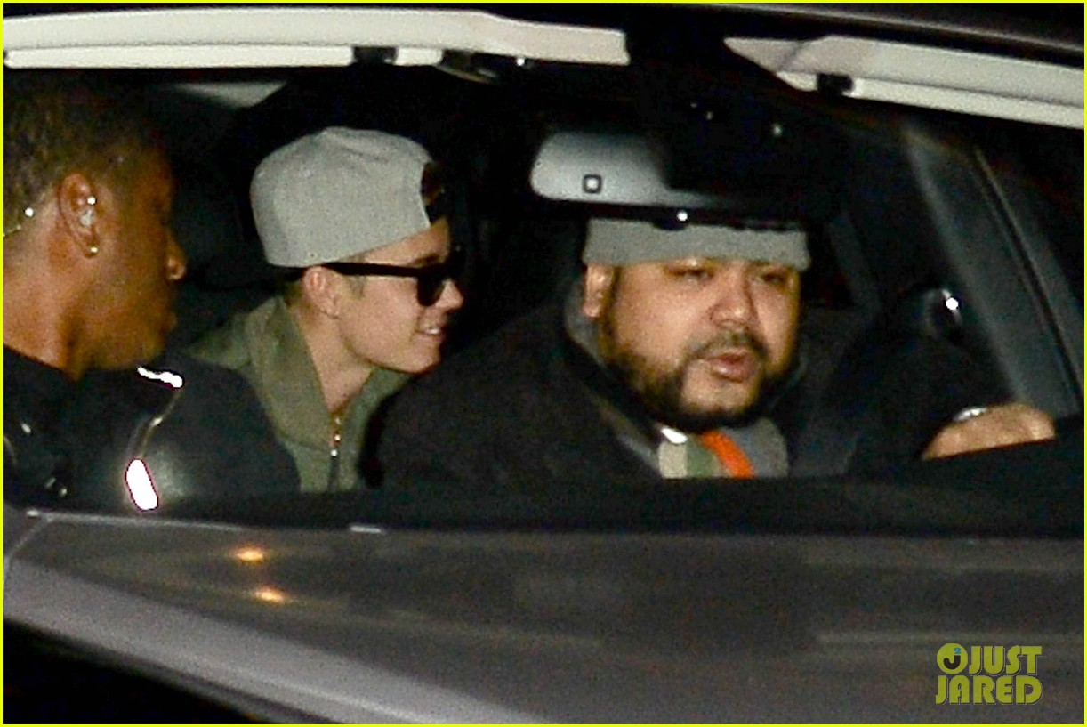 justin bieber hits up maxim super bowl party after plane flagged by customs 063045510