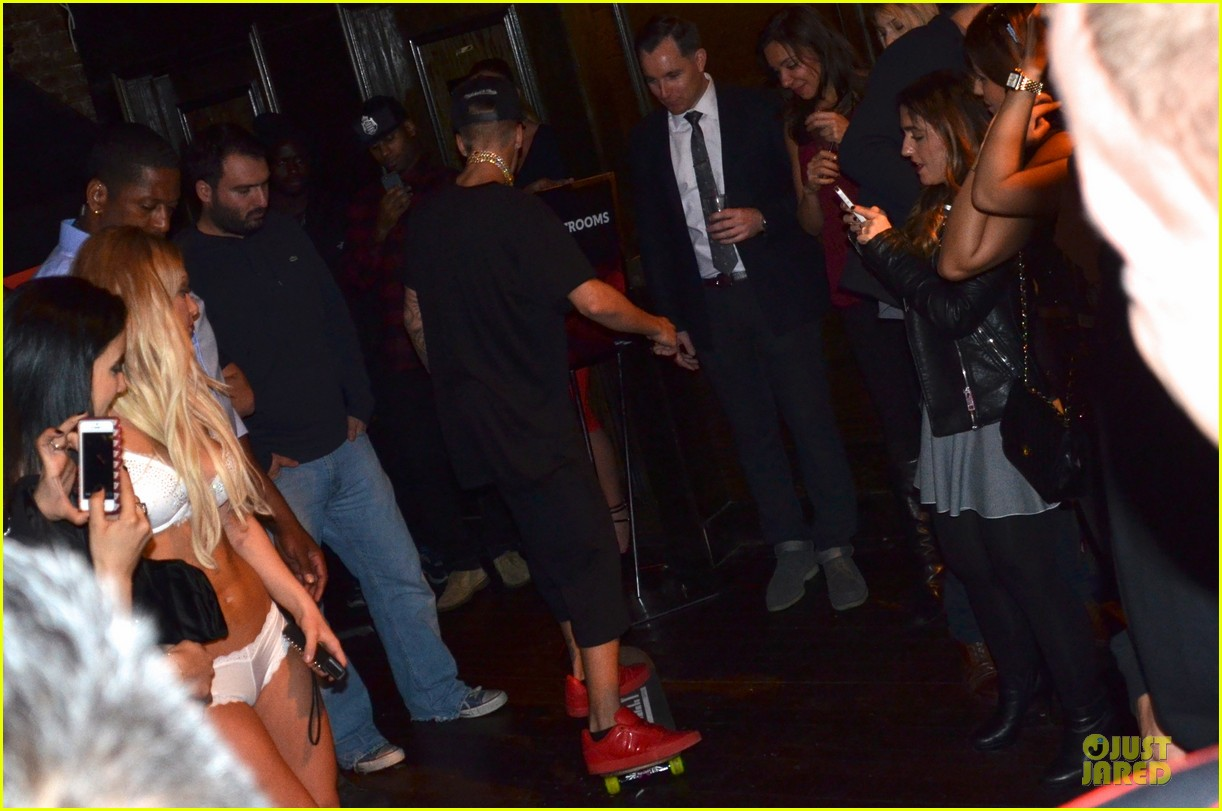 justin bieber shows off skateboarding tricks at pre super bowl party video 063046312
