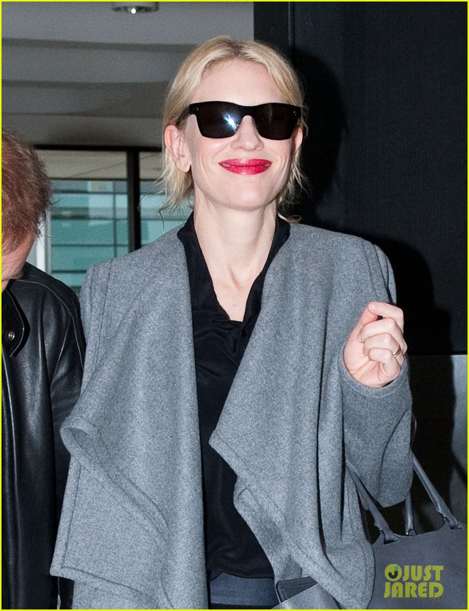 cate blanchett flies out of sydney en route to the oscars 2014 023062277