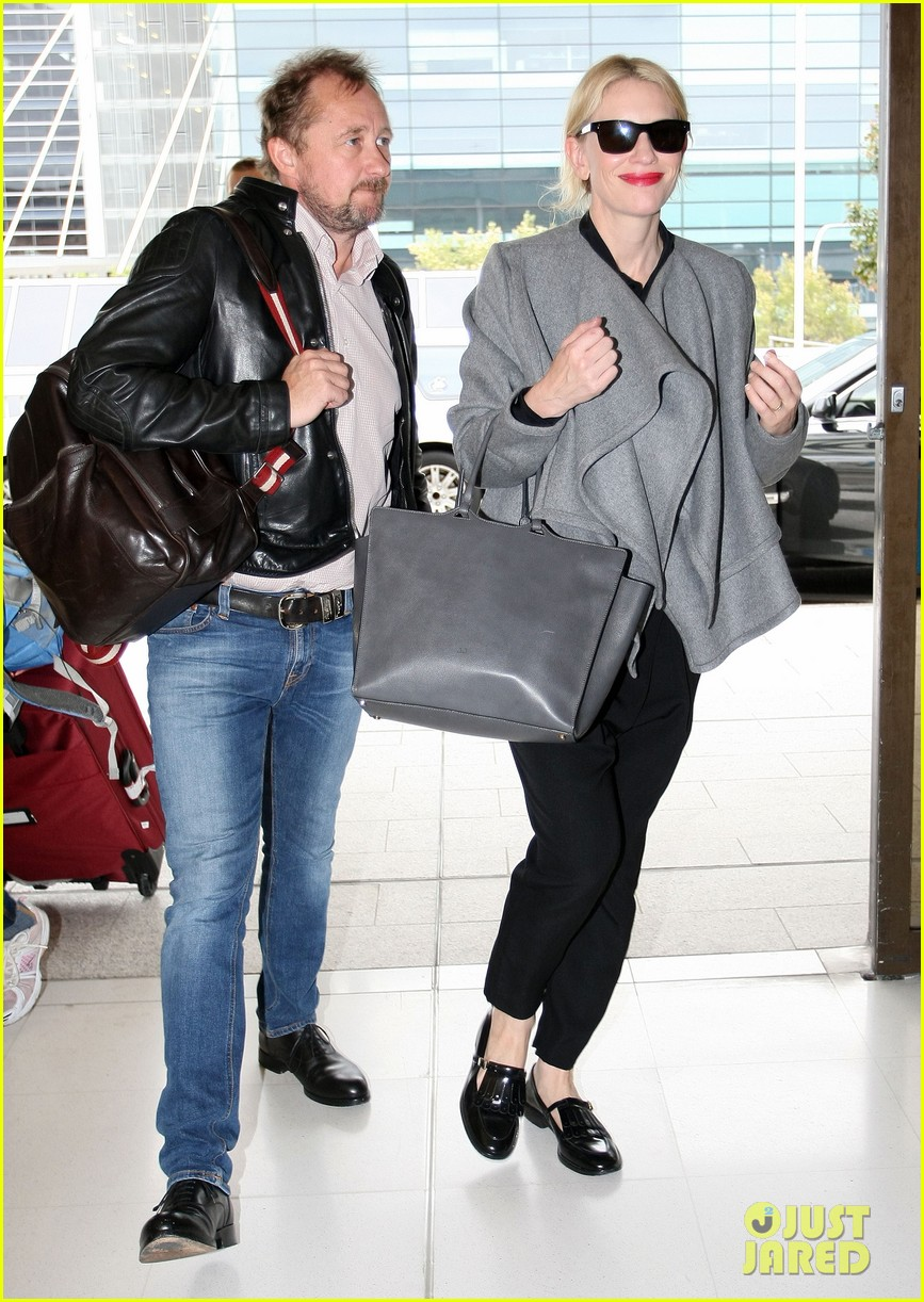 cate blanchett flies out of sydney en route to the oscars 2014 083062283