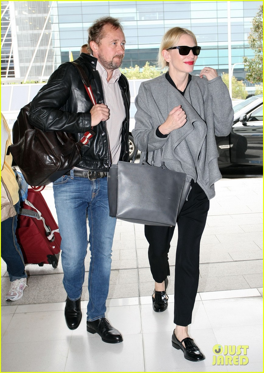 cate blanchett flies out of sydney en route to the oscars 2014 09