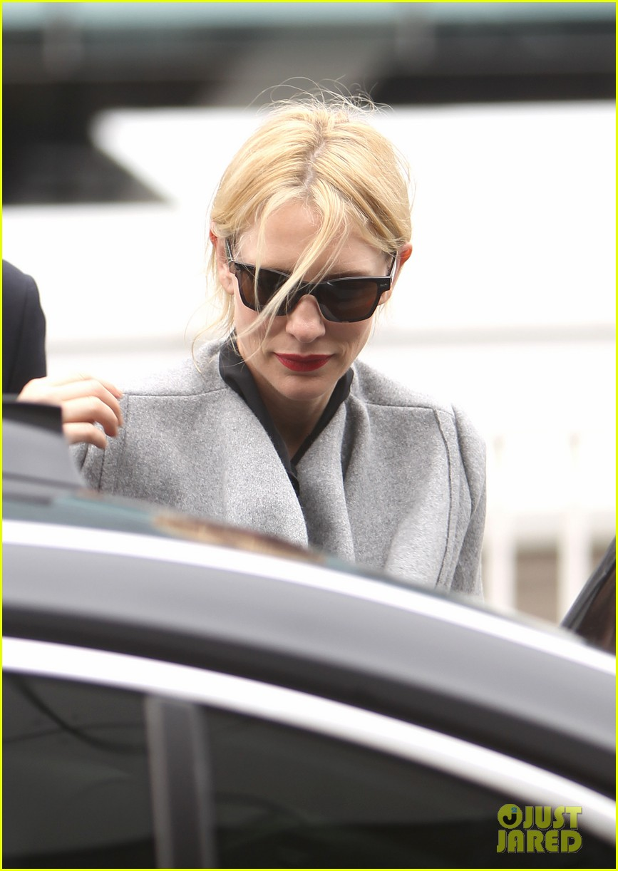 cate blanchett flies out of sydney en route to the oscars 2014 123062287