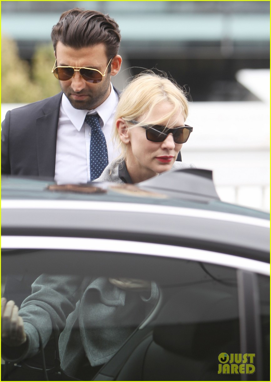 cate blanchett flies out of sydney en route to the oscars 2014 14
