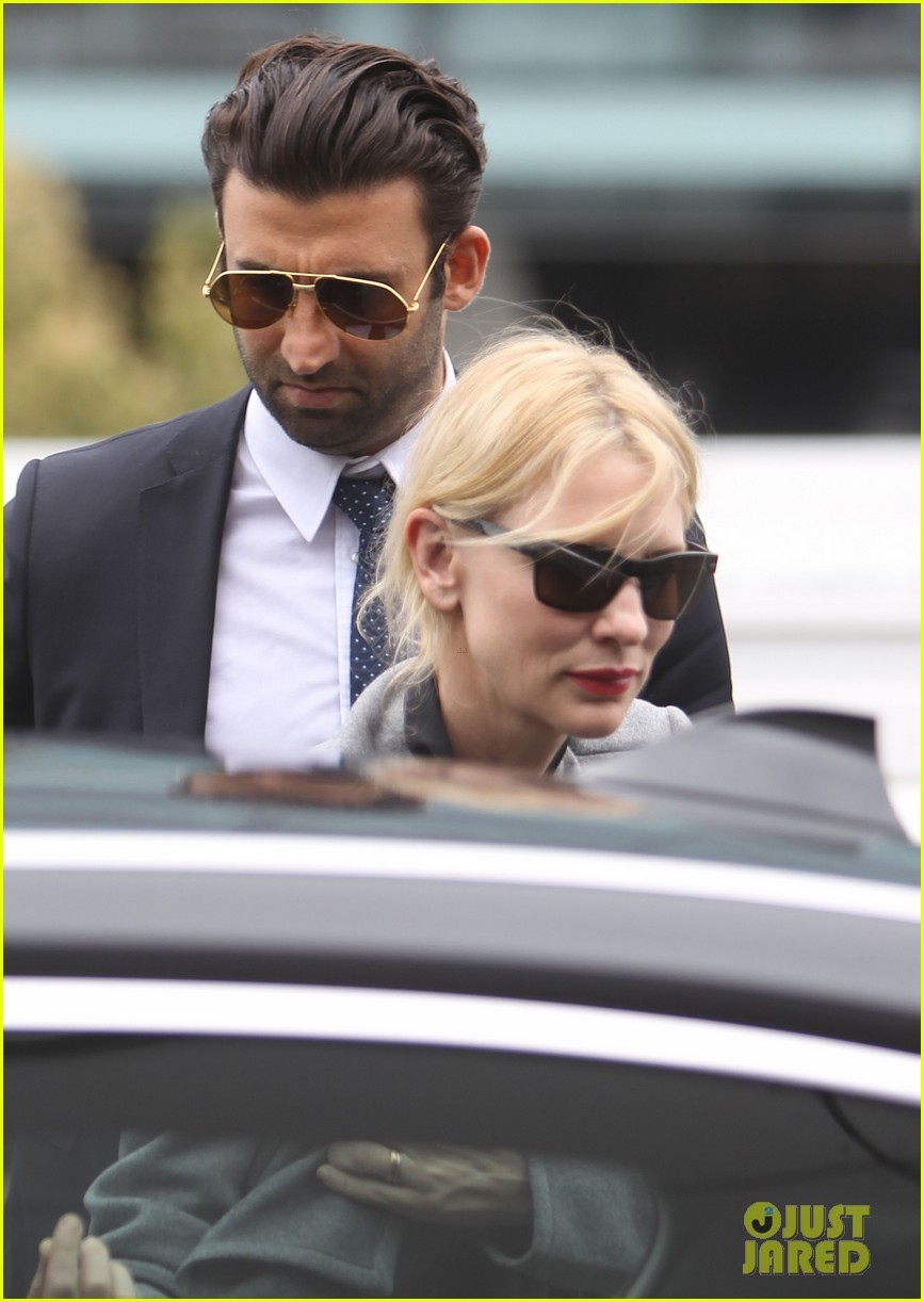 cate blanchett flies out of sydney en route to the oscars 2014 153062290