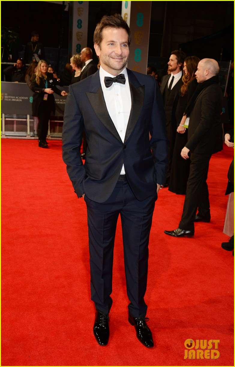 bradley cooper baftas 2014 red carpet 043054591