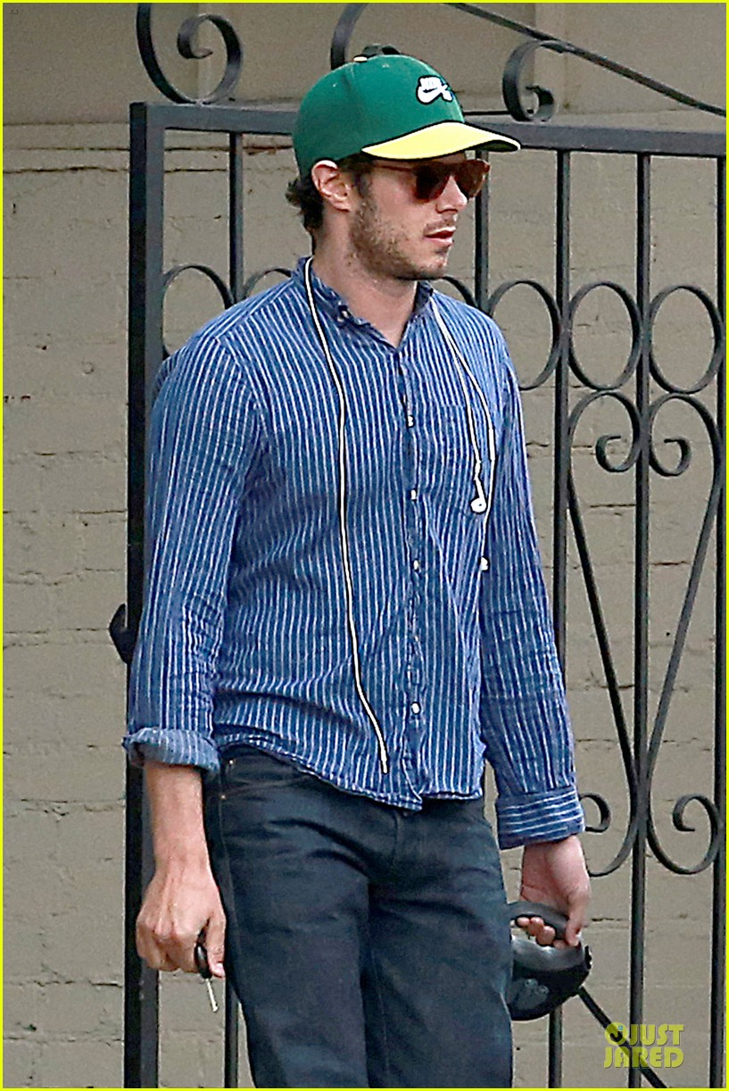 adam brody steps out with ring after wedding rumors 073055876