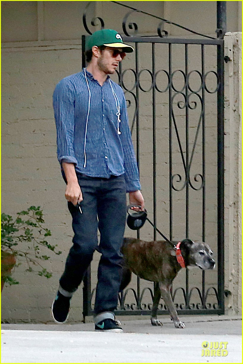 adam brody steps out with ring after wedding rumors 123055881
