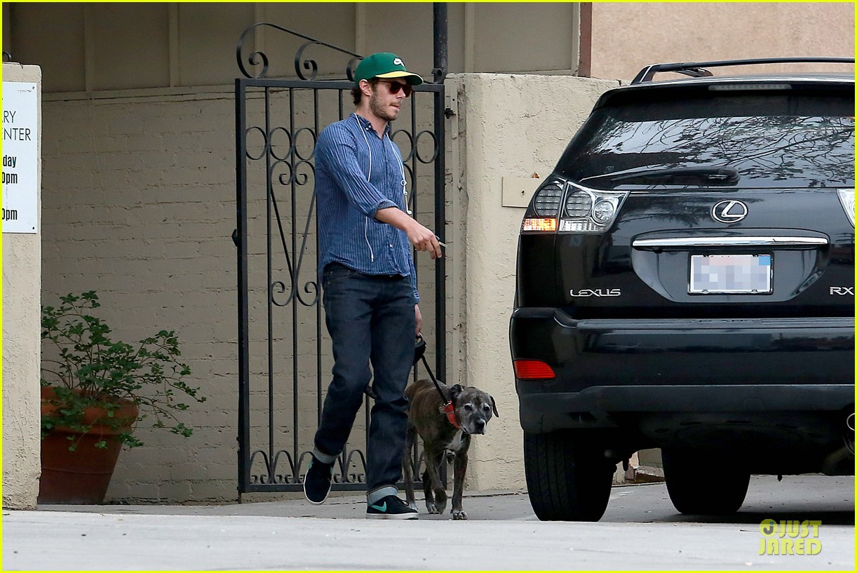 adam brody steps out with ring after wedding rumors 153055884