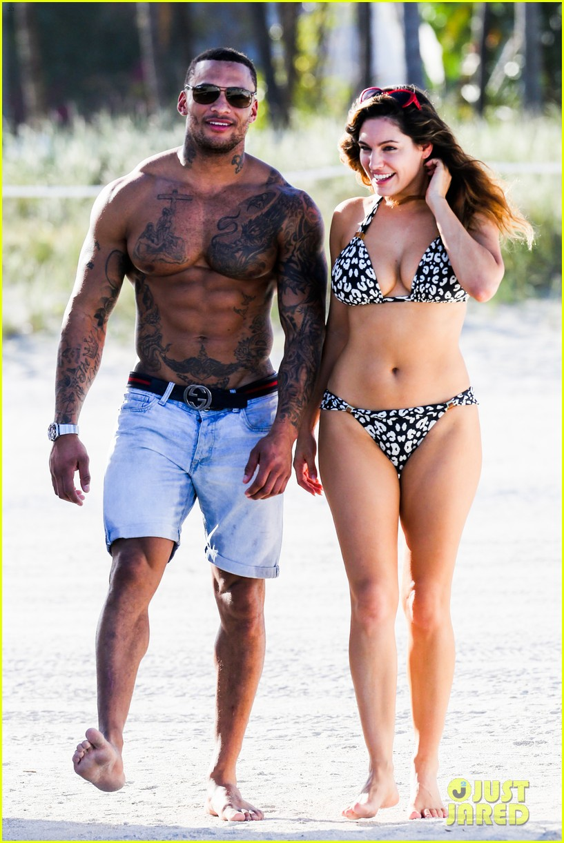 kelly brook bikini babe with macho boyfriend david mcintosh 013046850