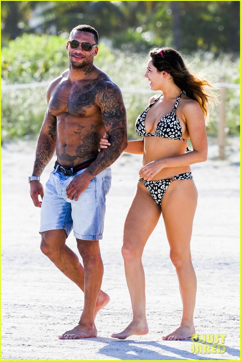 kelly brook bikini babe with macho boyfriend david mcintosh 033046852