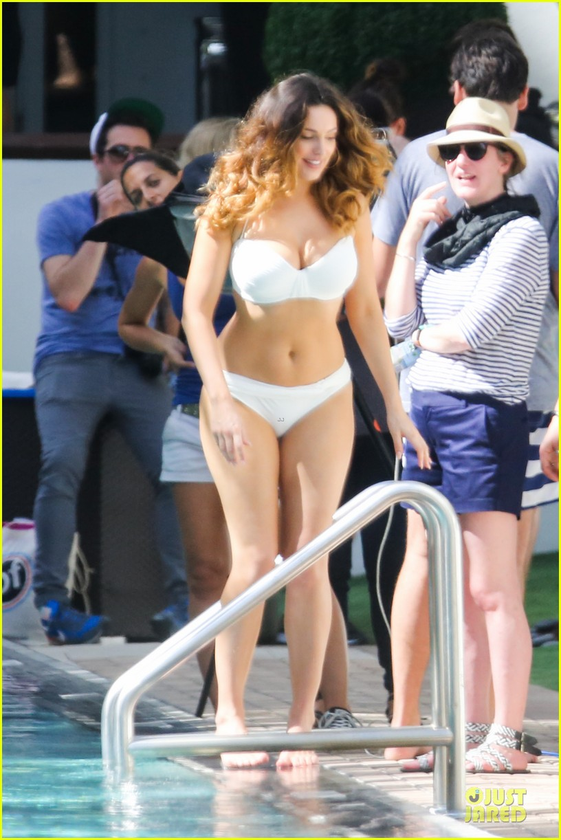 kelly brook frolicks on the beach with boyfriend david mcintosh 273047557