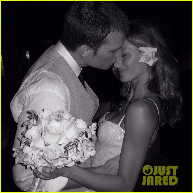 gisele bundchen celebrates wedding anniversary at paris fashion week 033061882