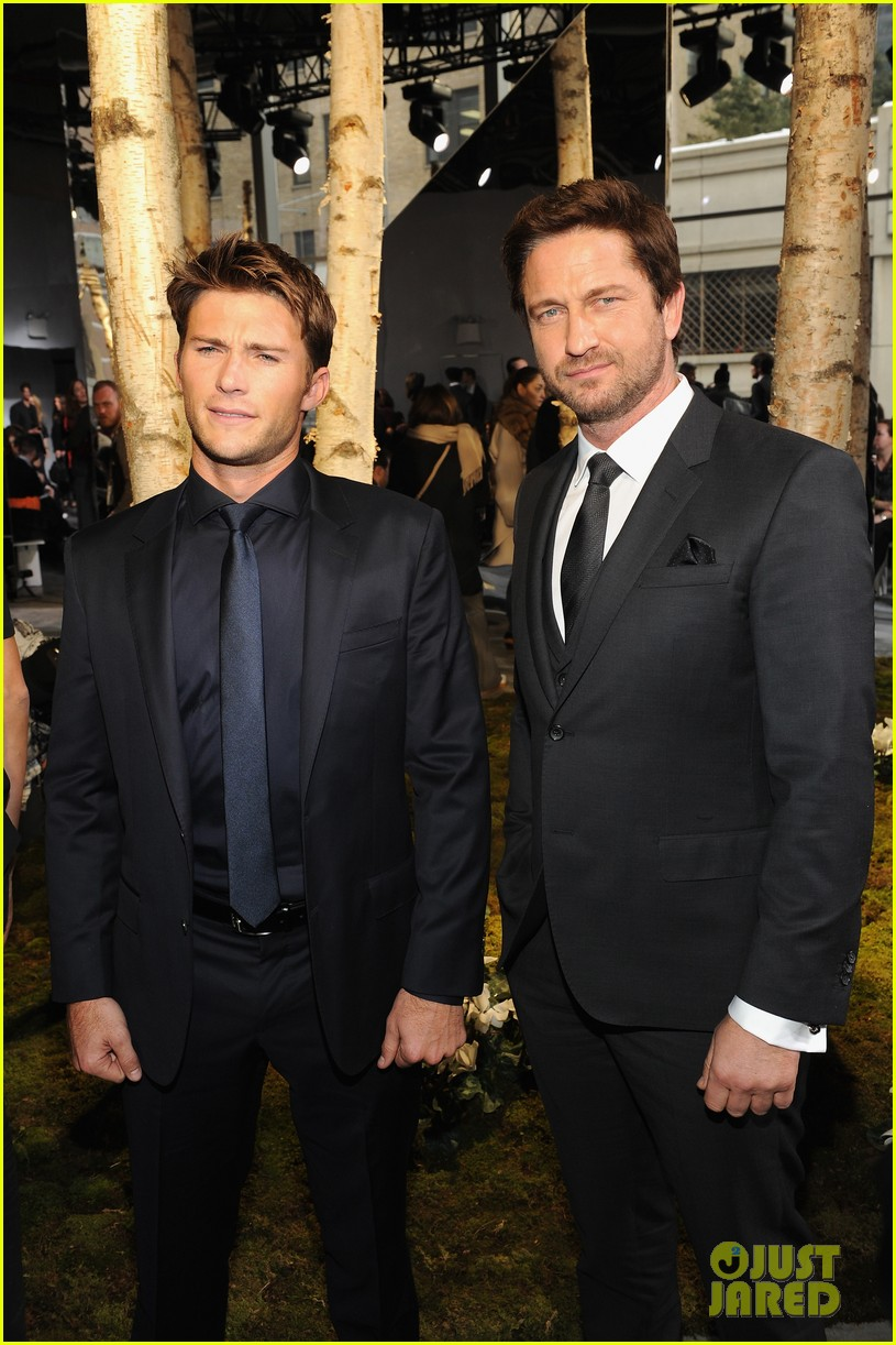 gerard butler scott eastwood front row fun at boss show 08