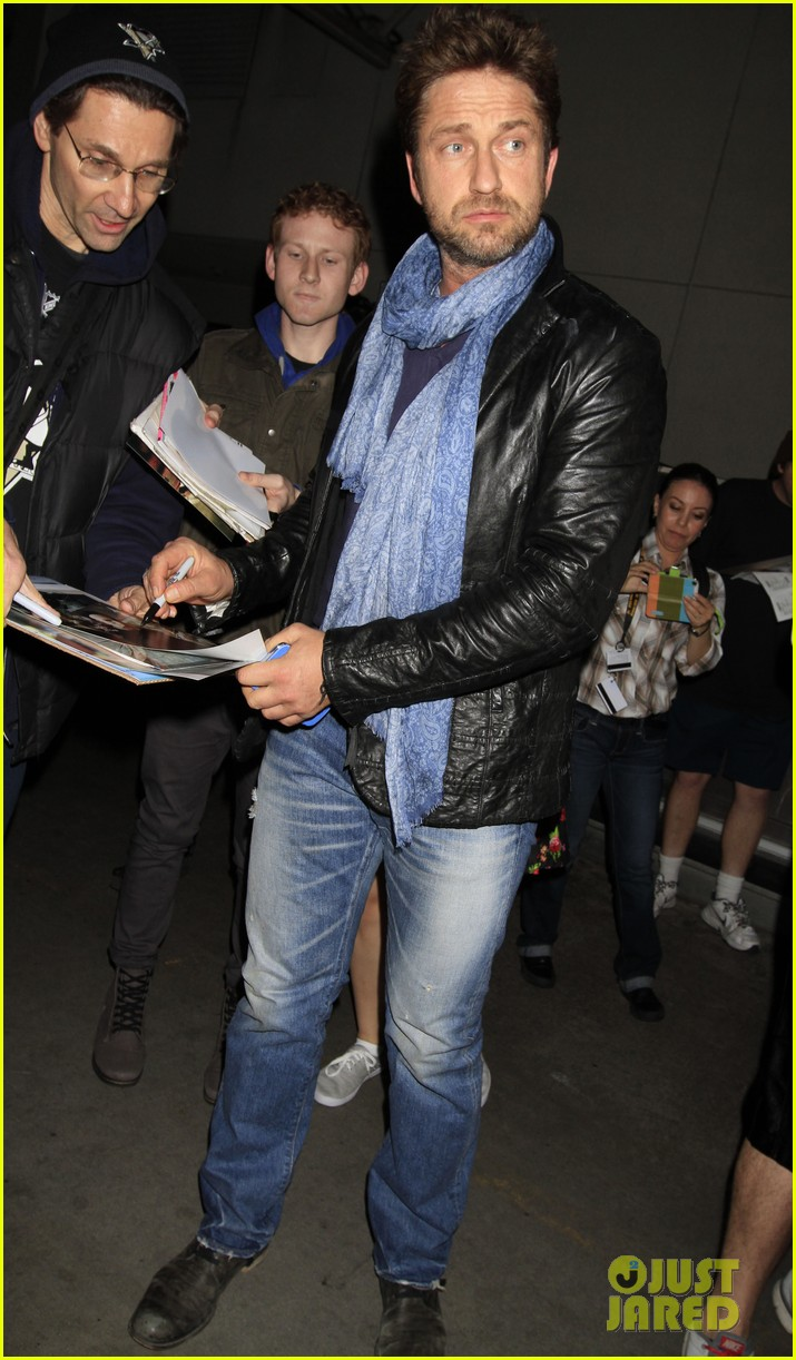 gerard butler from nyc to lax 033055504