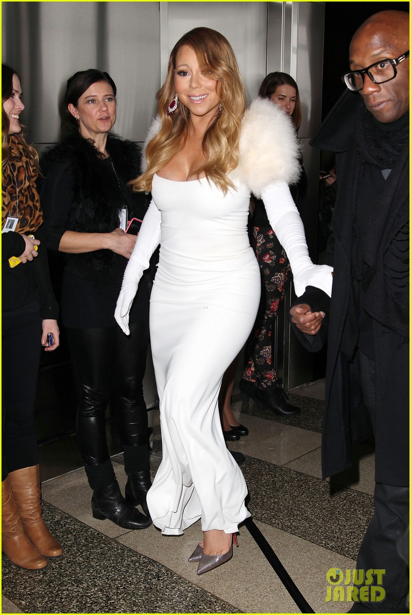 mariah carey lights empire state building for valentines day wedding event 013052902