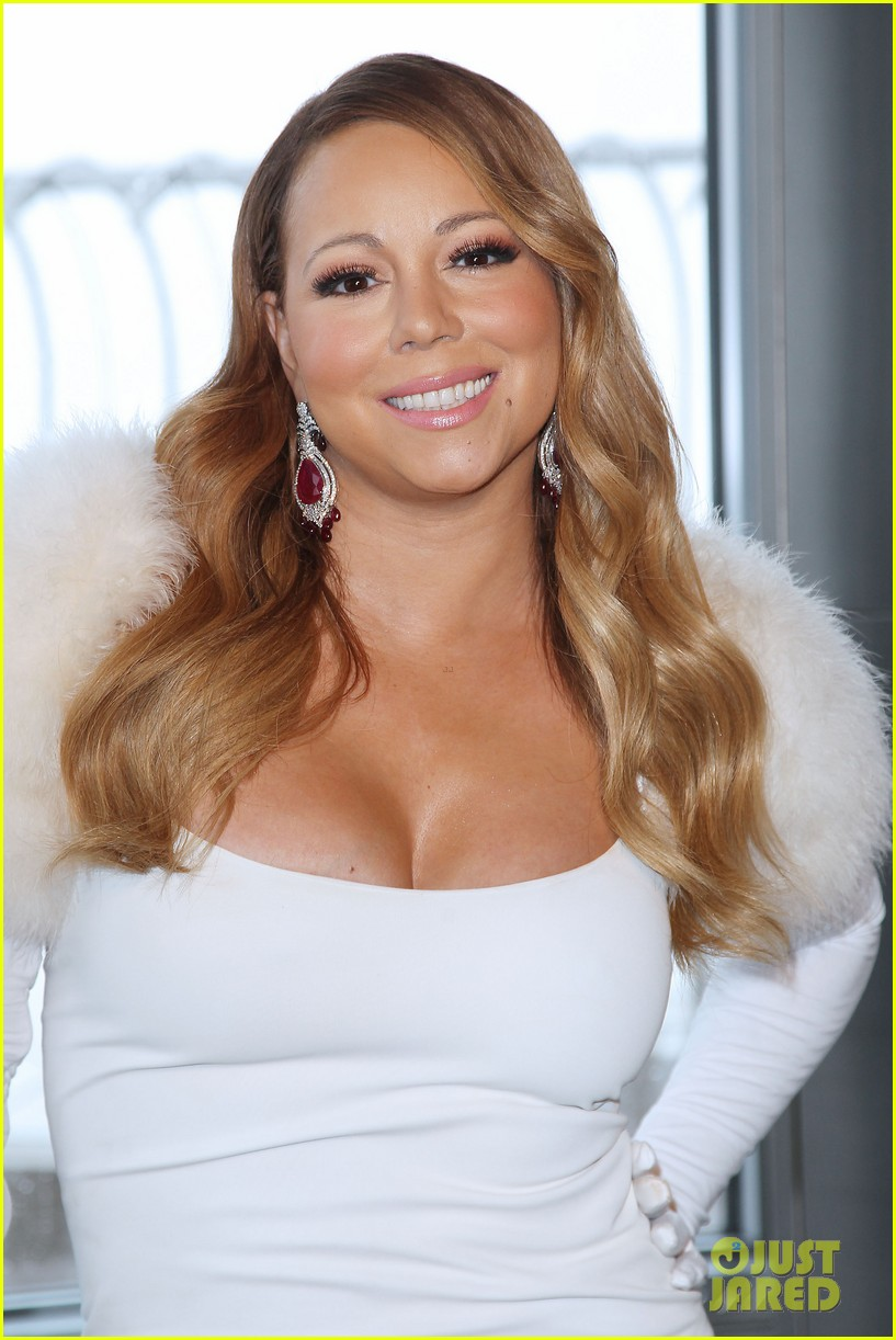 Mariah Carey Lights Empire State Building For Valentine S