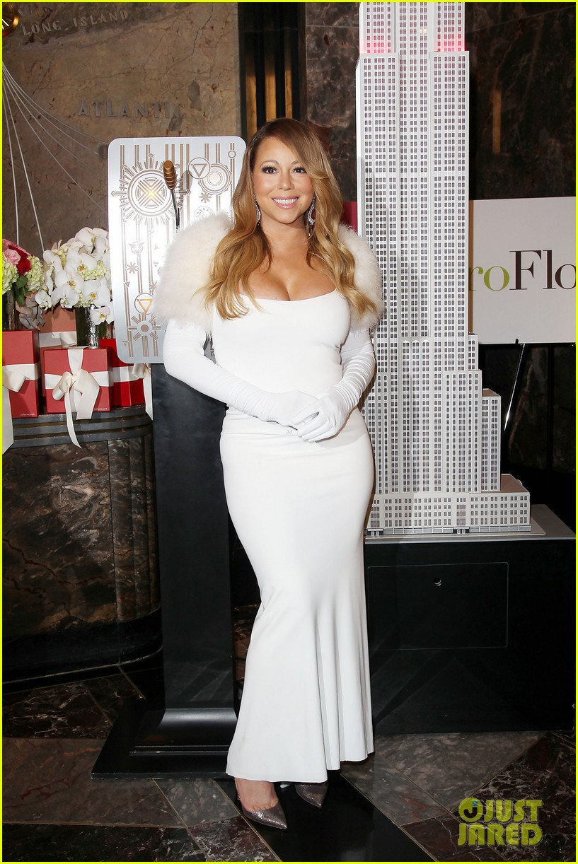 mariah carey lights empire state building for valentines day wedding event 043052905