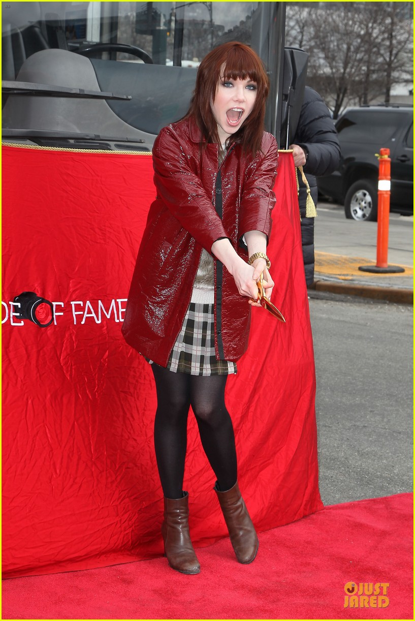 carly rae jepsen honoree at gray line ride of fame event 033060492