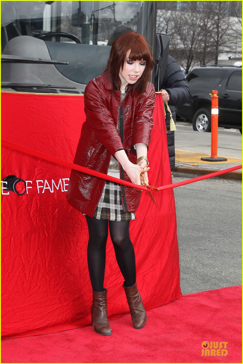 carly rae jepsen honoree at gray line ride of fame event 103060499