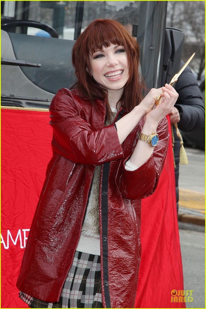 carly rae jepsen honoree at gray line ride of fame event 113060500