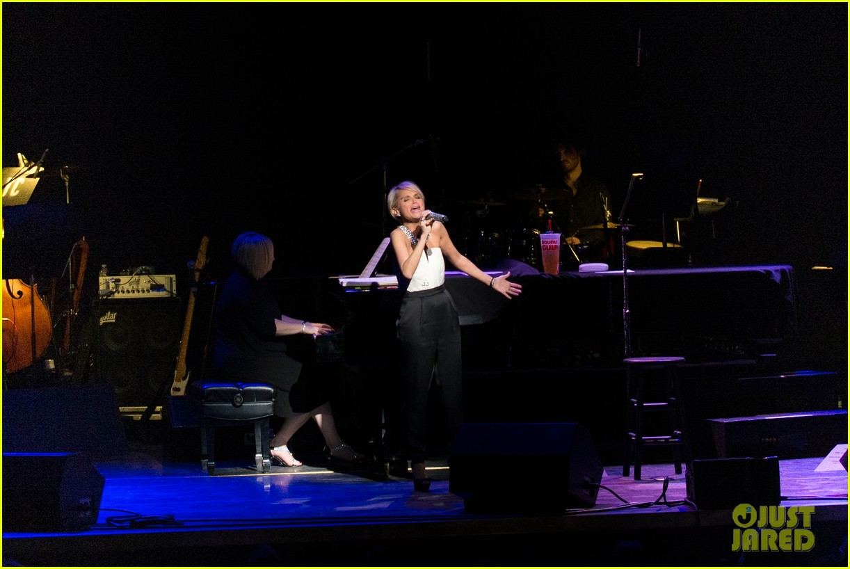 kristin chenoweth i will tour in the uk soon 063061164