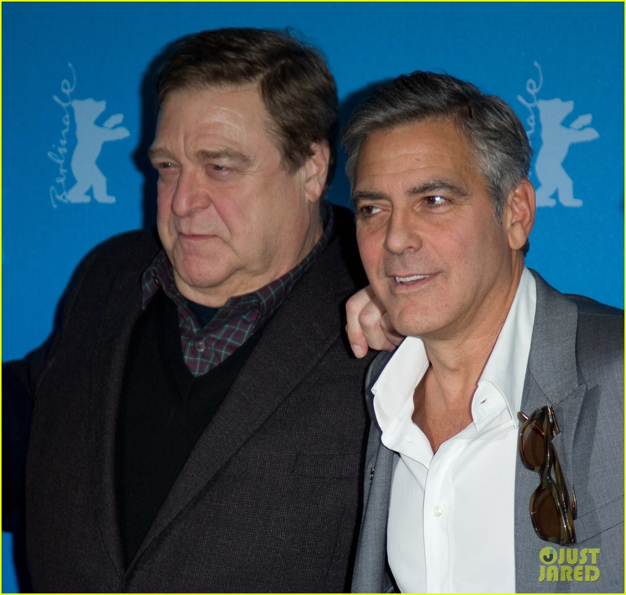 george clooney monuments men cast do the conga 023049607