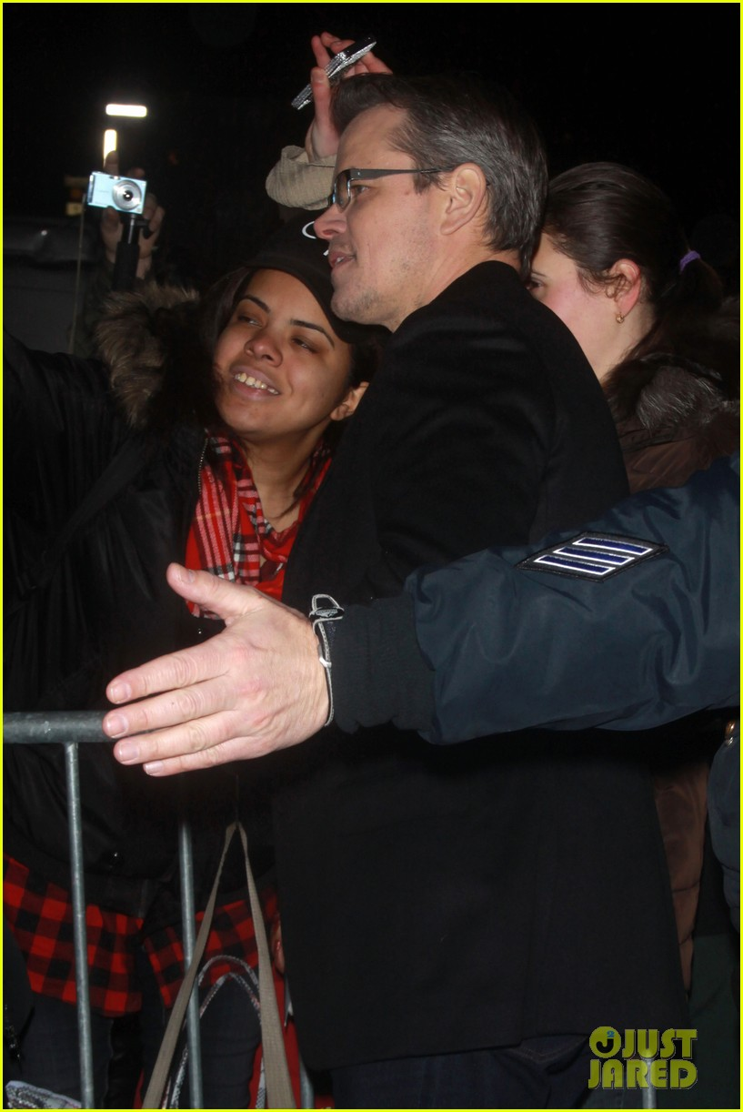 george clooney matt damon continue promoting monuments men 093048665