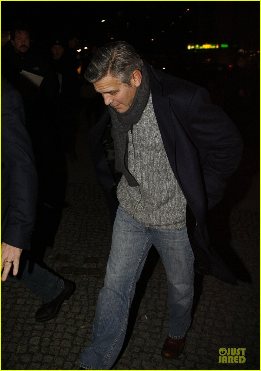 george clooney matt damon monuments men cast dinner before berlin film festival 153049395