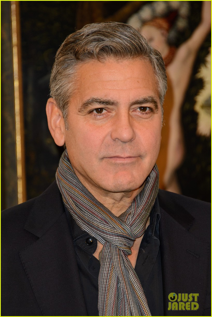 george clooney matt damon monuments men national gallery photo call 083051270