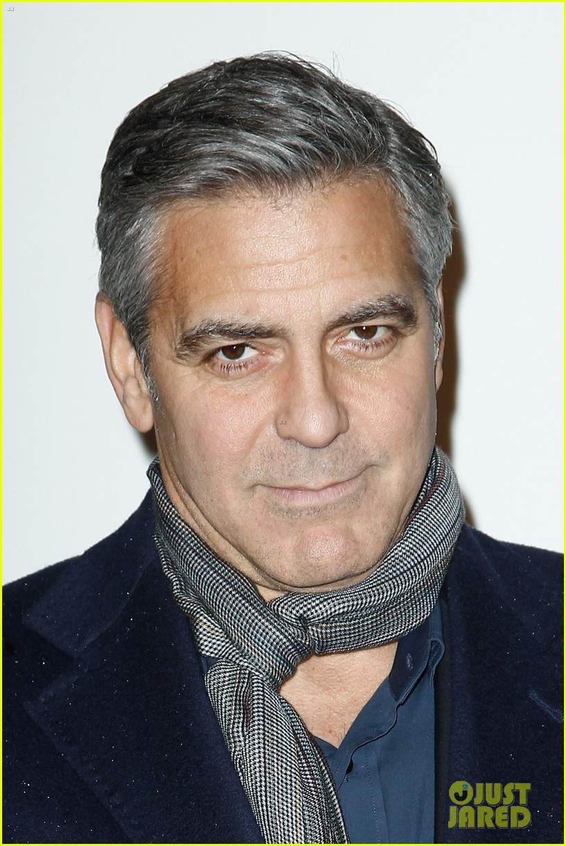 george clooney matt damon bring monuments to paris 023052395