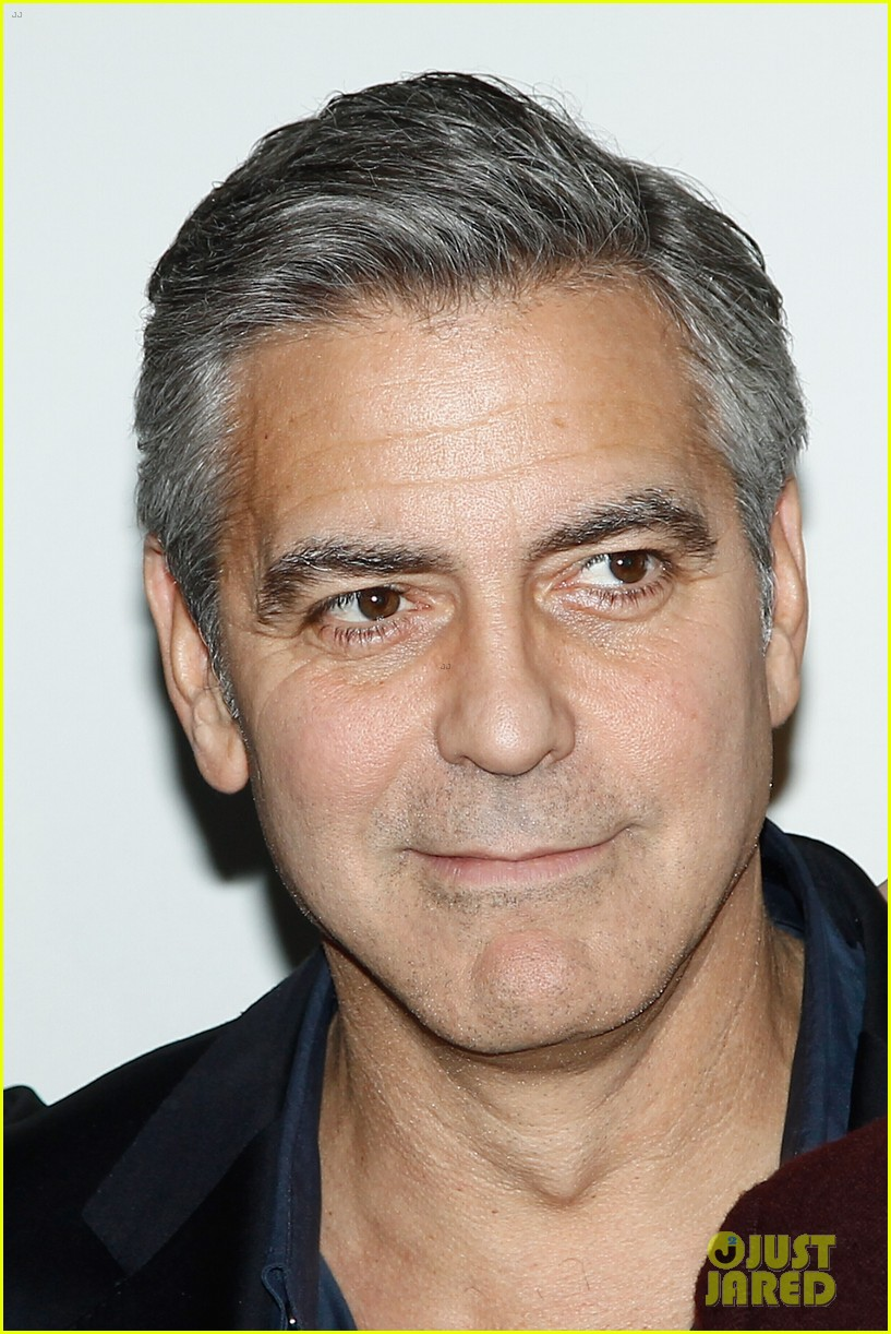 george clooney matt damon bring monuments to paris 073052400