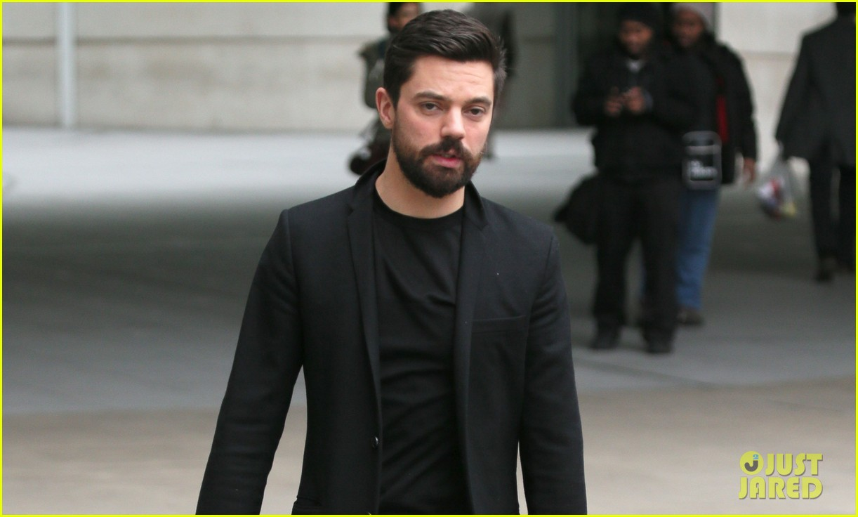 dominic cooper exposed himself in public by accident 023060368