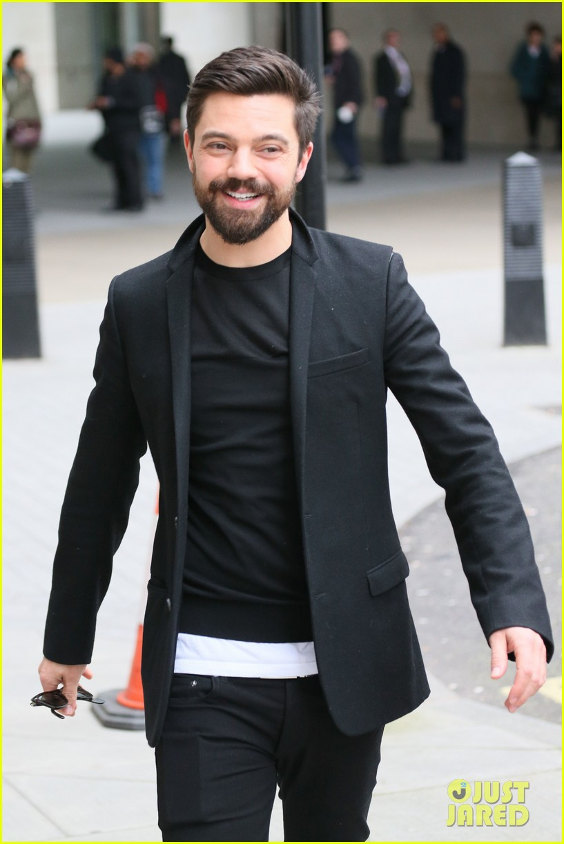 dominic cooper exposed himself in public by accident 033060369
