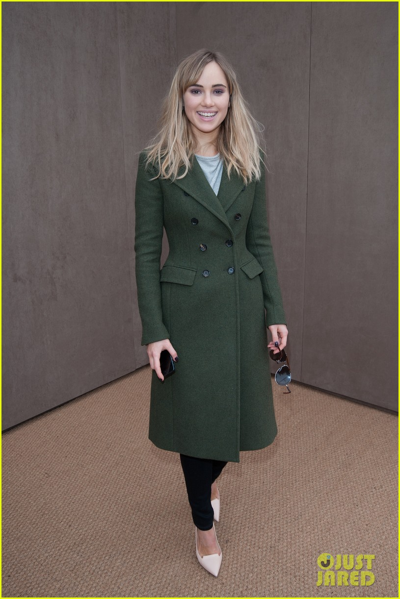 bradley cooper supports girlfriend suki waterhouse at burberry prorsum show 033055054