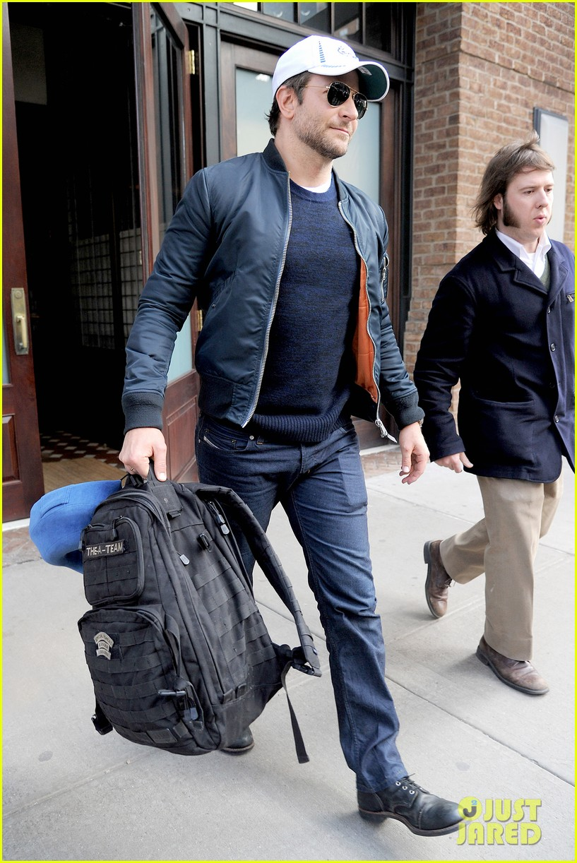 bradley cooper suki waterhouse check out of nyc hotel 07
